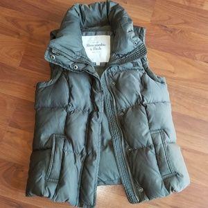 Abercrombie olive vest